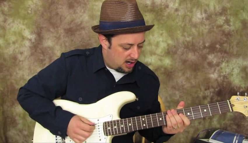 How To Tune a Guitar beginner guide