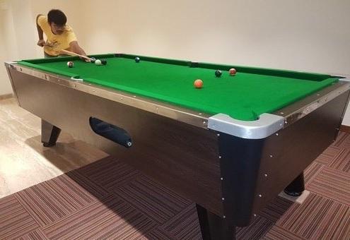 Clean Pool Table