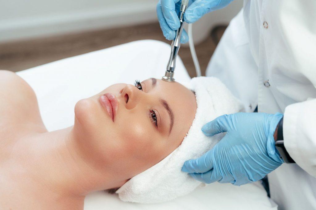 Best-Facial-Serum-For-Sensitive-Skin